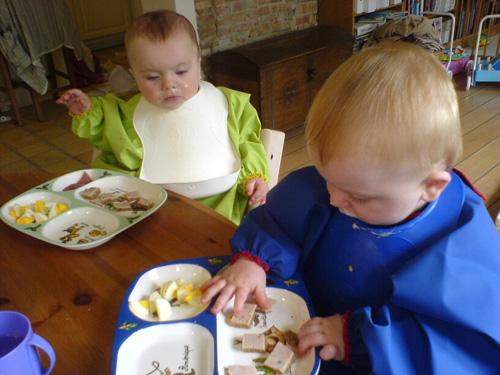Anna og Mads spiser